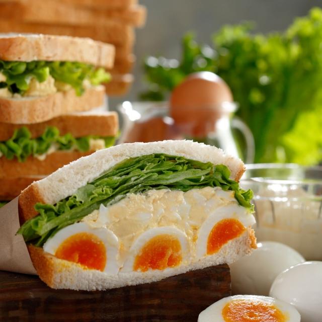 スタバのエッグサンドウィッチを選んでみました!